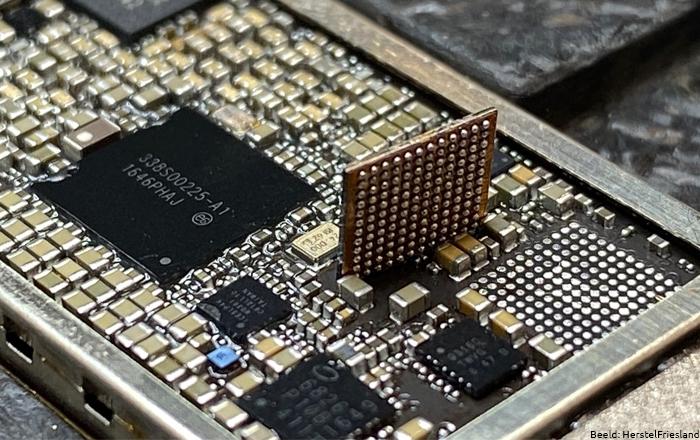 iPhone 7 Audio IC 2 Micro solderen Bert Wienia Herstel Friesland